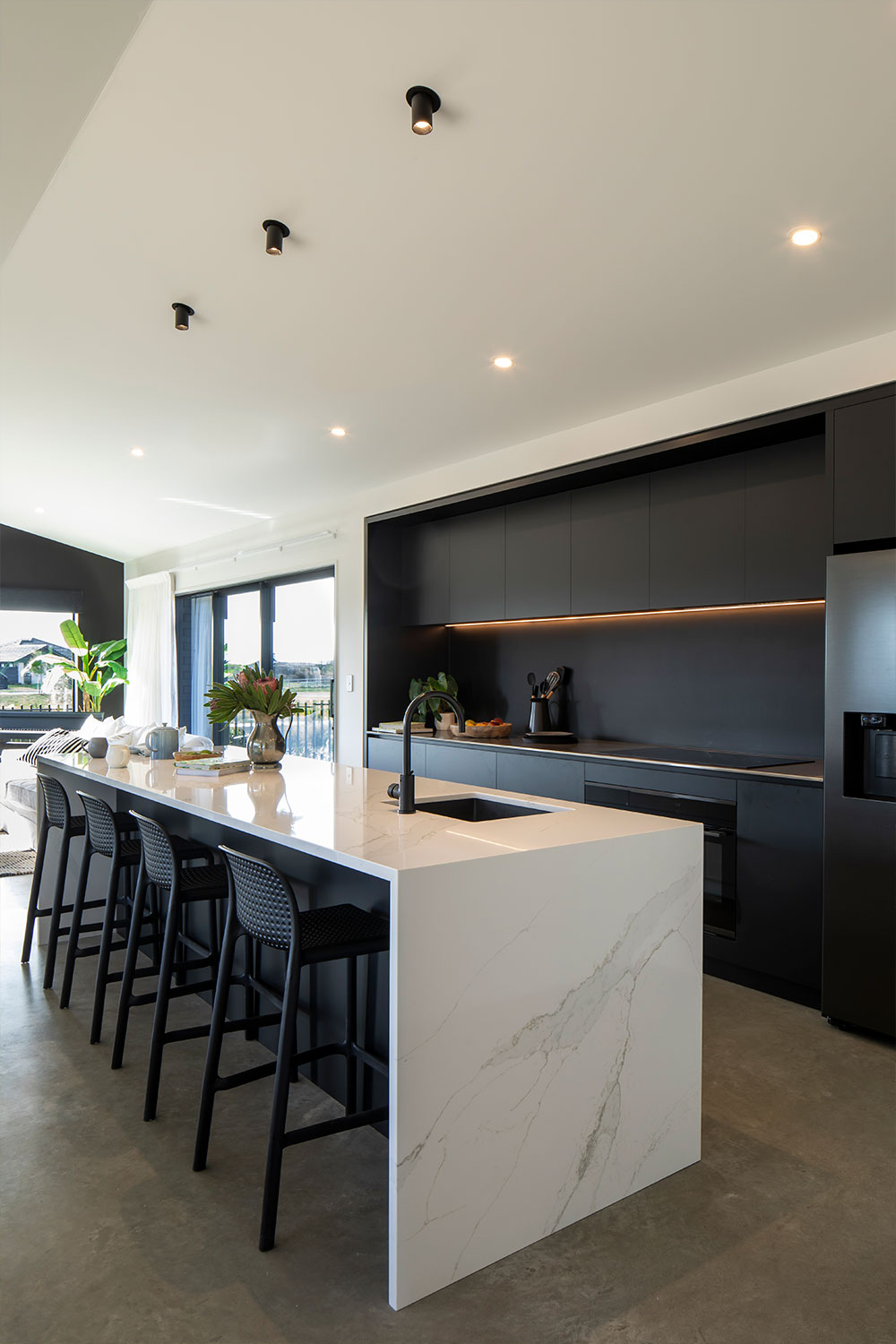 https://www.benchmarkhomes.co.nz/wp-content/uploads/2021/06/Projects-Evans-7-1000-x-1500-High-Res.jpg