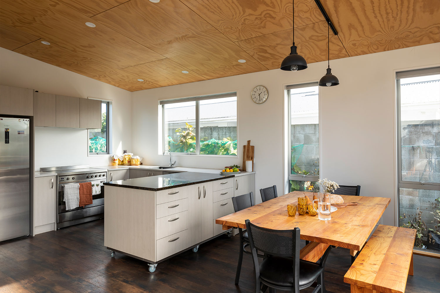 https://www.benchmarkhomes.co.nz/wp-content/uploads/2021/07/Projects-Ross-51500-x-1000-High-Res.jpg